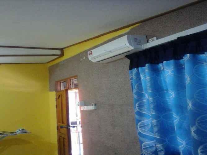 BEDROOM Rumah Rehat Seri Desa Losong (B)