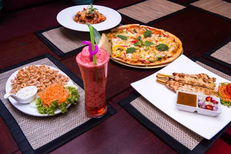 Villa Bali Eco Resort Bali Pizzeria Laem Mae Phim Beach Thailand