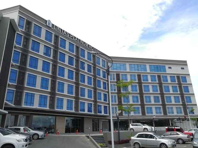 LOBBY Lintas Platinum Hotel