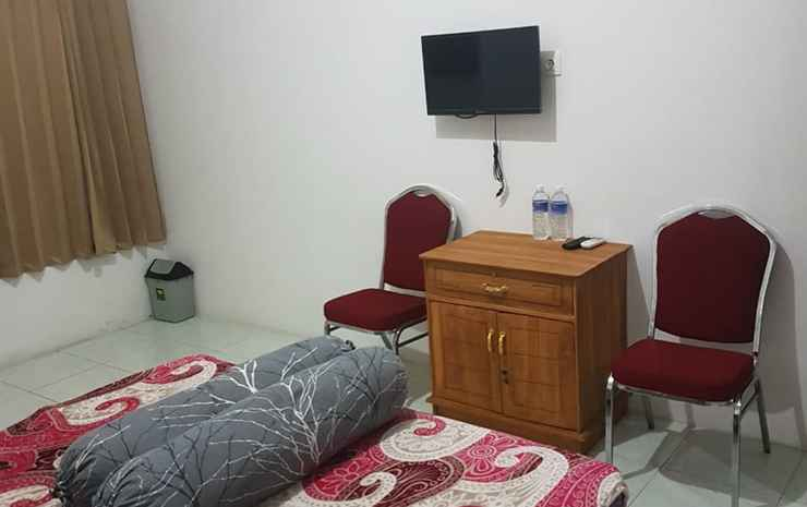 Homestay Suyoso Probolinggo - Deluxe King Room (Hot Shower)