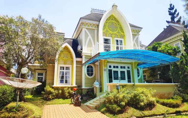 Zevannya Villa Victorian Kota Bunga Puncak - 4 Bedrooms