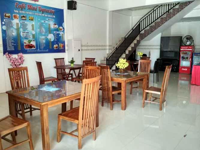 RESTAURANT Budget Room at Penginapan Dynasty