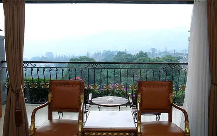 Seruni Hotel Gunung Salak Bogor - Suite Room Mountain View