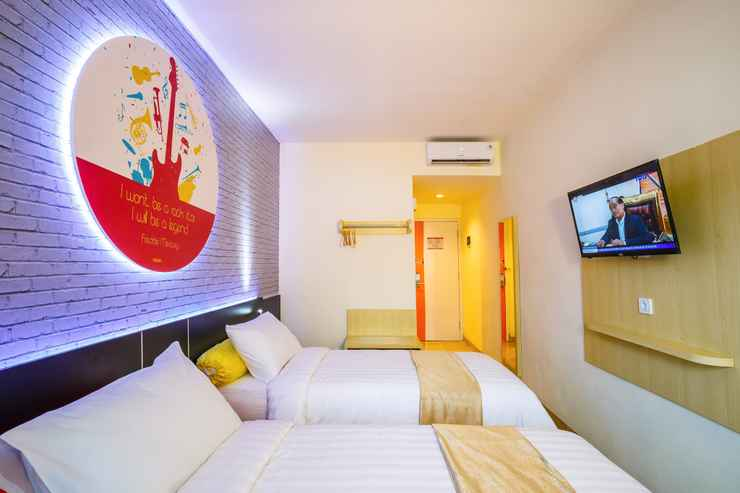 BEDROOM Front One Inn Muntilan Magelang