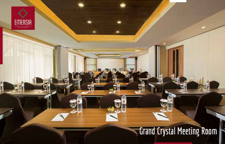 FUNCTIONAL_HALL Emersia Hotel And Resort Batusangkar
