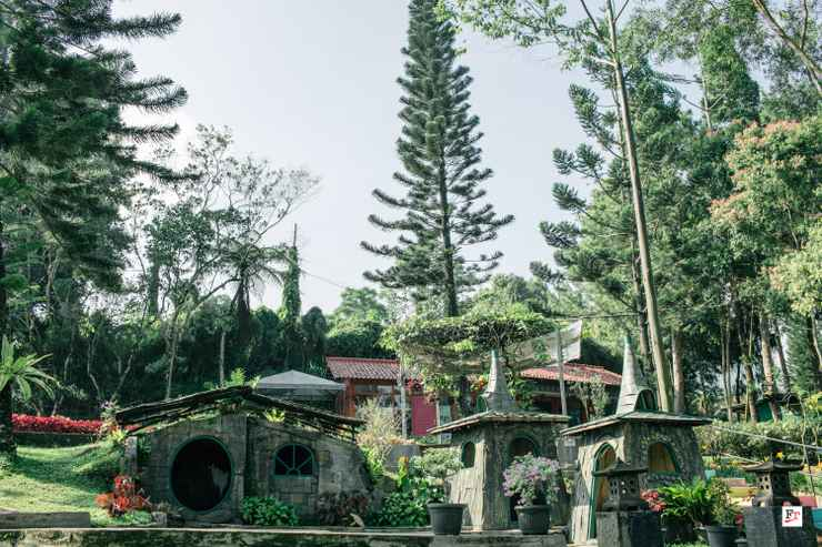 ENTERTAINMENT_FACILITY The Pinewood Lodge & Organic Farm