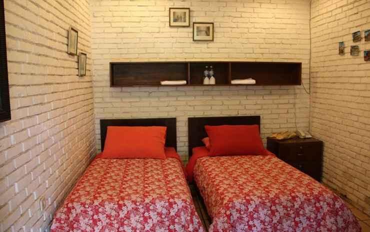 The Pinewood Lodge & Organic Farm Bogor - Standard Share Room