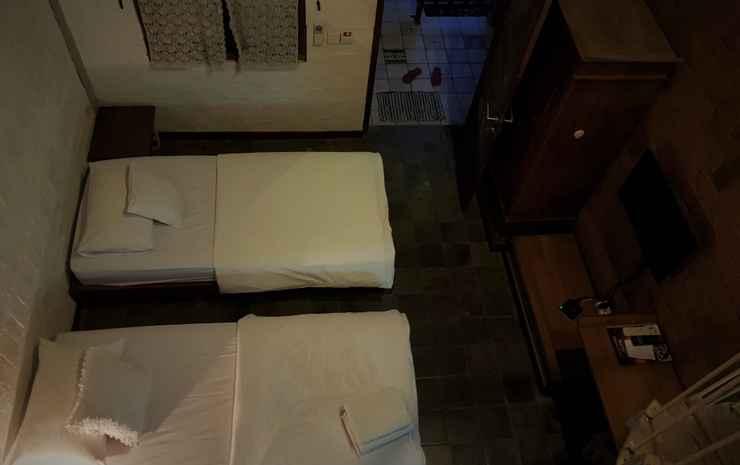 Classic Room at Djajanti House Semarang - Retro Executive Twin