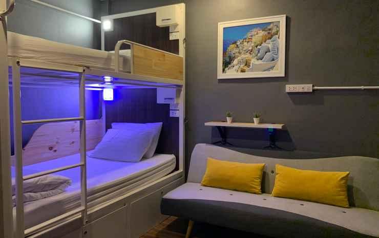 Click Hostel Bangkok - Twin Bunk Bed with Shared Bathroom (VIP3)