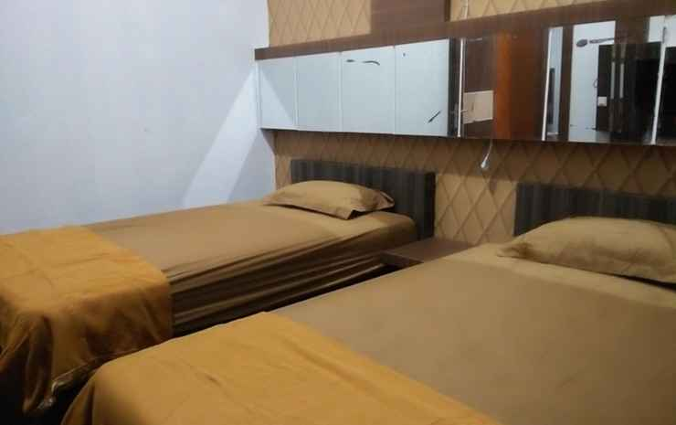 Comfort Room near Airport at Homestay Family's Pontianak - Deluxe Twin (Max check in 24.00)