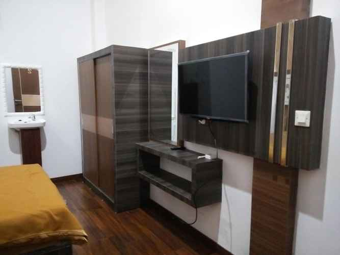 LOBBY Comfort Room near Airport at Homestay Family's