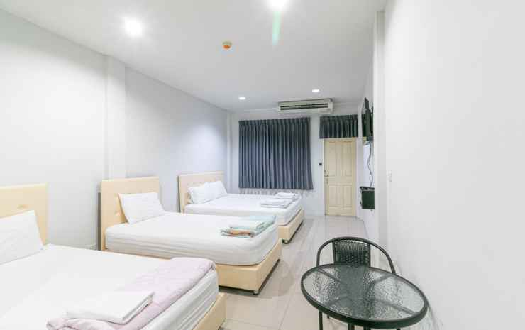 The Rooftop Residence Bangkok - Quadruple Room with Private Bathroom