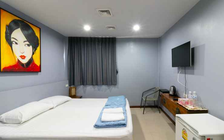 The Rooftop Residence Bangkok - Deluxe Room with Private Bathroom