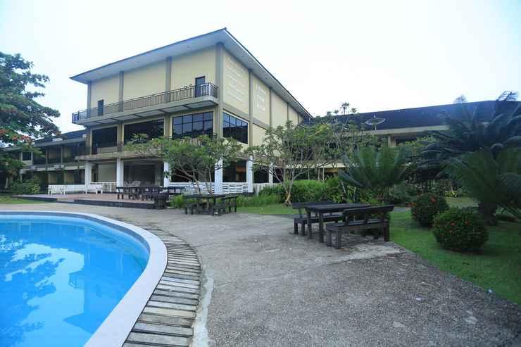 SWIMMING_POOL Dangau Resort Singkawang