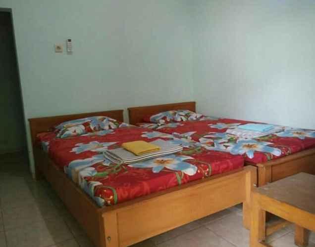 BEDROOM Cozy Room at Homestay Melati Sragen