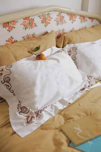 BEDROOM Chloe Leo Classic Zen Apartment