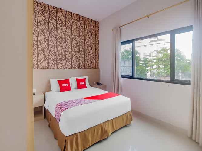 BEDROOM OYO 90312 Bahu Bay Hotel
