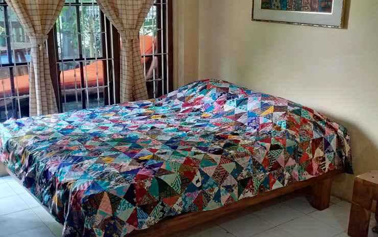 Comfort Room at Banyuwangi Guest House Banyuwangi - Junior Suite