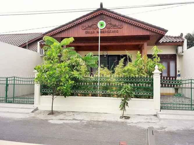 EXTERIOR_BUILDING 3 Bedroom at Javanese House by Griya Pamengkang