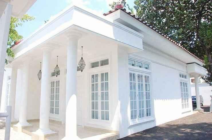 EXTERIOR_BUILDING 2 Bedroom at Colonial House by Griya Pamengkang