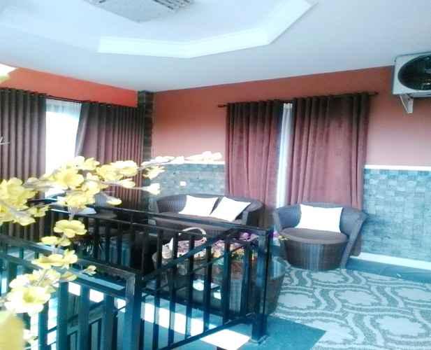 BAR_CAFE_LOUNGE 5 Bedroom (WHOLE HOUSE) AT ERNY YOGYAKARTA