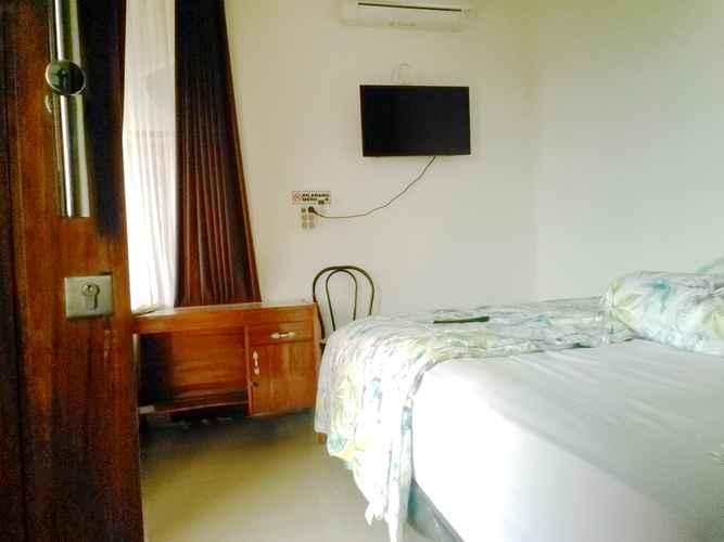 BEDROOM 5 Bedroom (WHOLE HOUSE) AT ERNY YOGYAKARTA