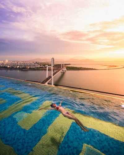 SWIMMING_POOL Khách sạn Danang Golden Bay