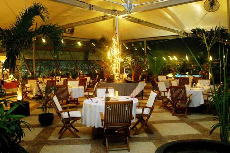 RESTAURANT Hotel Grand Arkenso Parkview Simpang Lima Semarang
