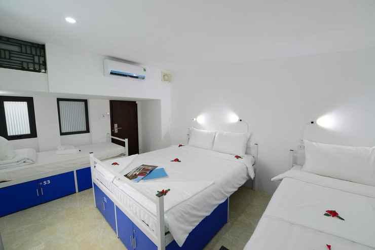 BEDROOM Pillow Backpacker Hostel