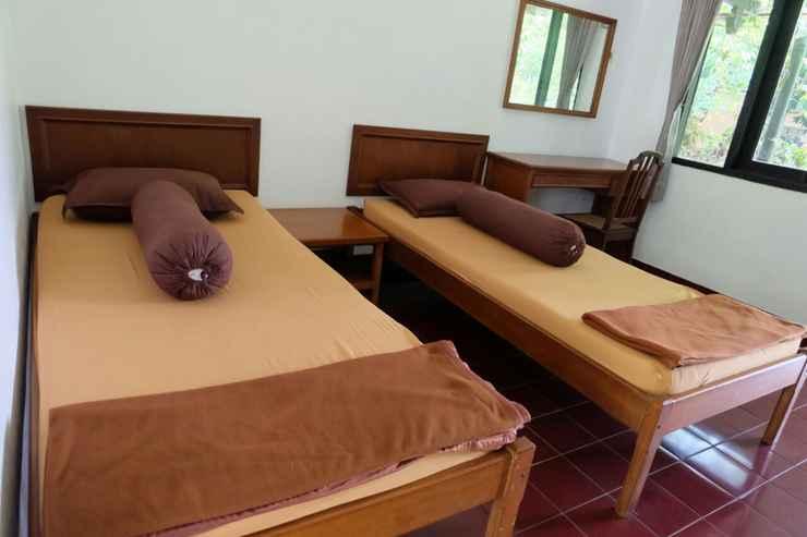 BEDROOM Oemahaji Widayat