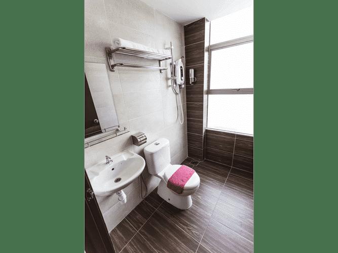 BATHROOM Allstar Hotel