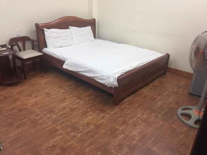 BEDROOM Khách sạn Ỷ Lan
