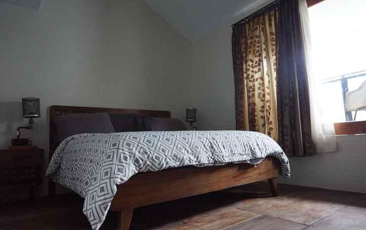 Bedjo Homestay by Dasinem Yogyakarta - Double Room with Balcony - Room Only