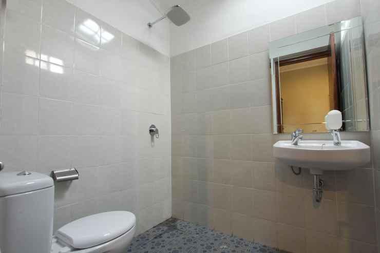 BATHROOM Votel Griya Gendhis Saraswati Hotel