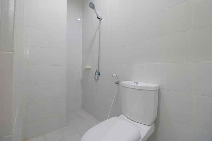 BATHROOM Room 28 Guest House