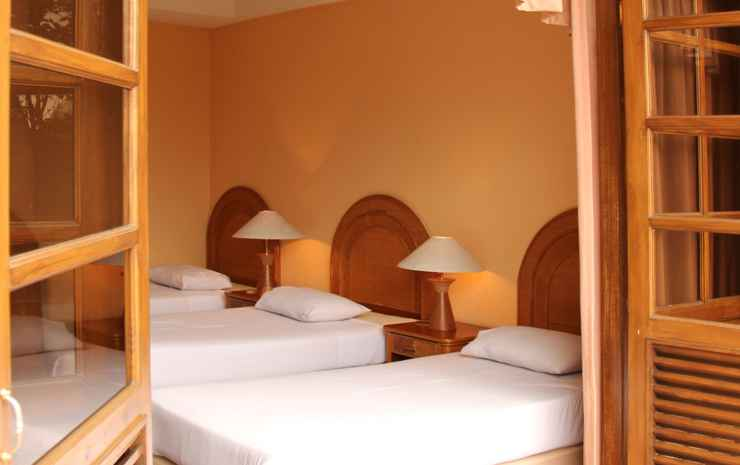 Puncak Inn Resort Hotel Puncak - Hillview Triple Room
