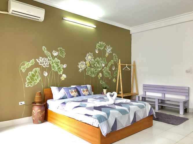 BEDROOM Lotus House