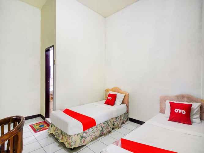 BEDROOM OYO 3424 Hotel Bitung