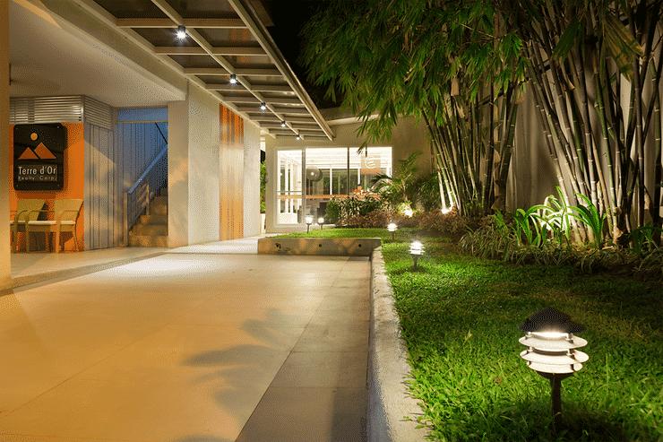 EXTERIOR_BUILDING Escario Central Hotel