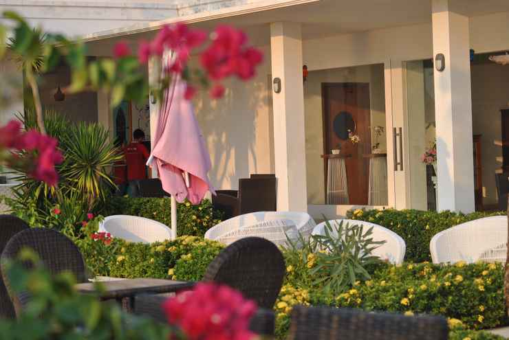 BAR_CAFE_LOUNGE Seaside Villa