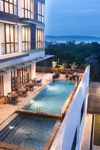 SWIMMING_POOL Hotel Santika Sukabumi