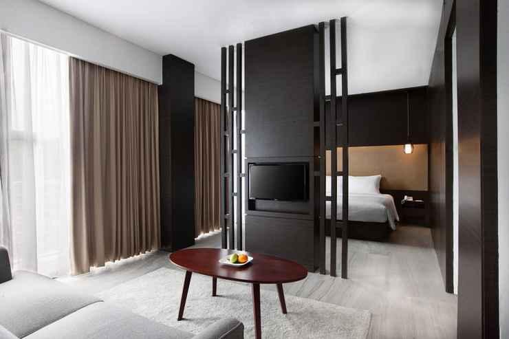 BEDROOM Hotel Santika Sukabumi