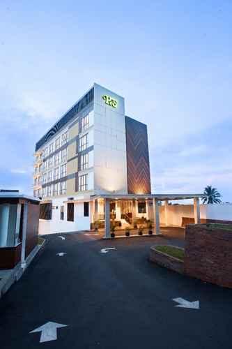 EXTERIOR_BUILDING Hotel Santika Sukabumi
