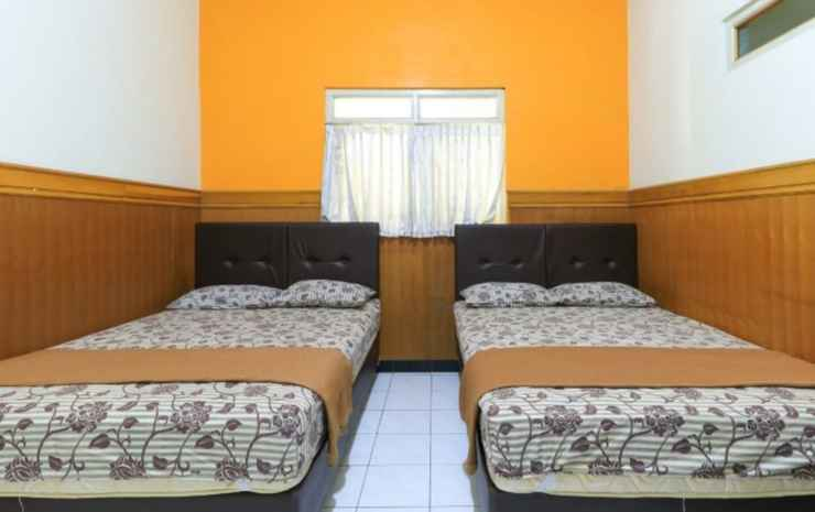 OYO 3981 Griyonur Homestay Syariah Surabaya - Deluxe Family Room