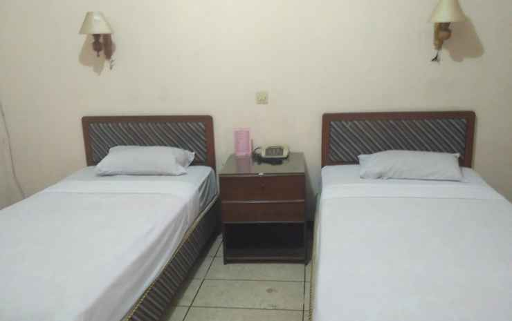 Hotel Kusuma Kartika Sari Solo - Standard Twin Bed