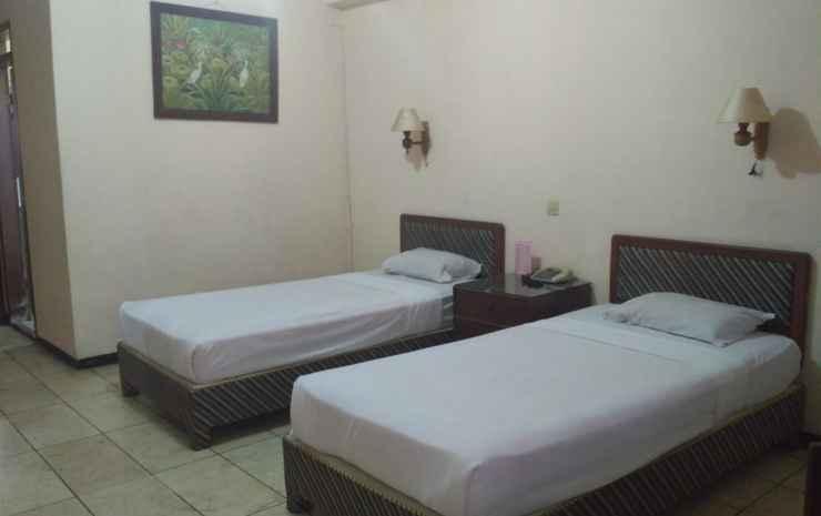 Hotel Kusuma Kartika Sari Solo - Deluxe Twin Bed