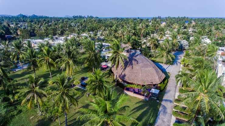 EXTERIOR_BUILDING The Beach Village Resort