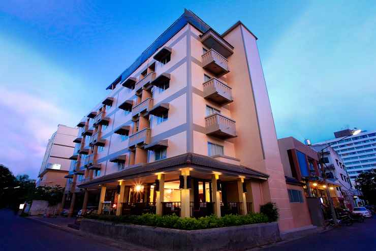 Exterior / Building People Place Lodging