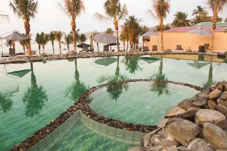 SWIMMING_POOL Eagles Beach Resort
