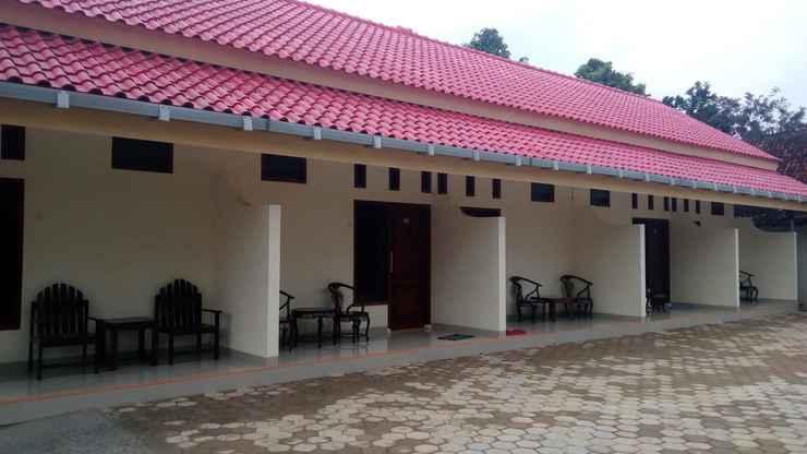EXTERIOR_BUILDING Clean Room at Homestay Putra Mandiri